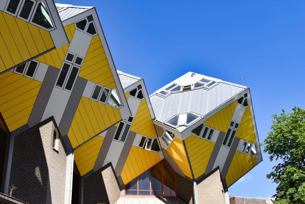De gele Kubuswoningen