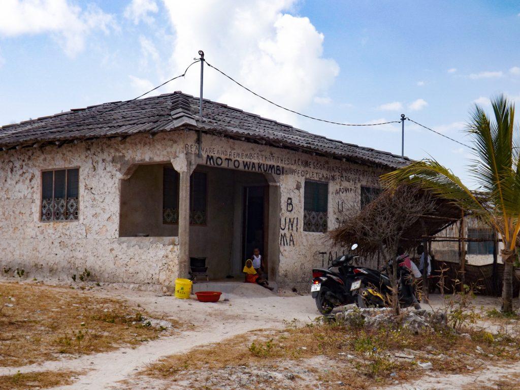 Een typische huis in een vissersdorp op Zanzibar
