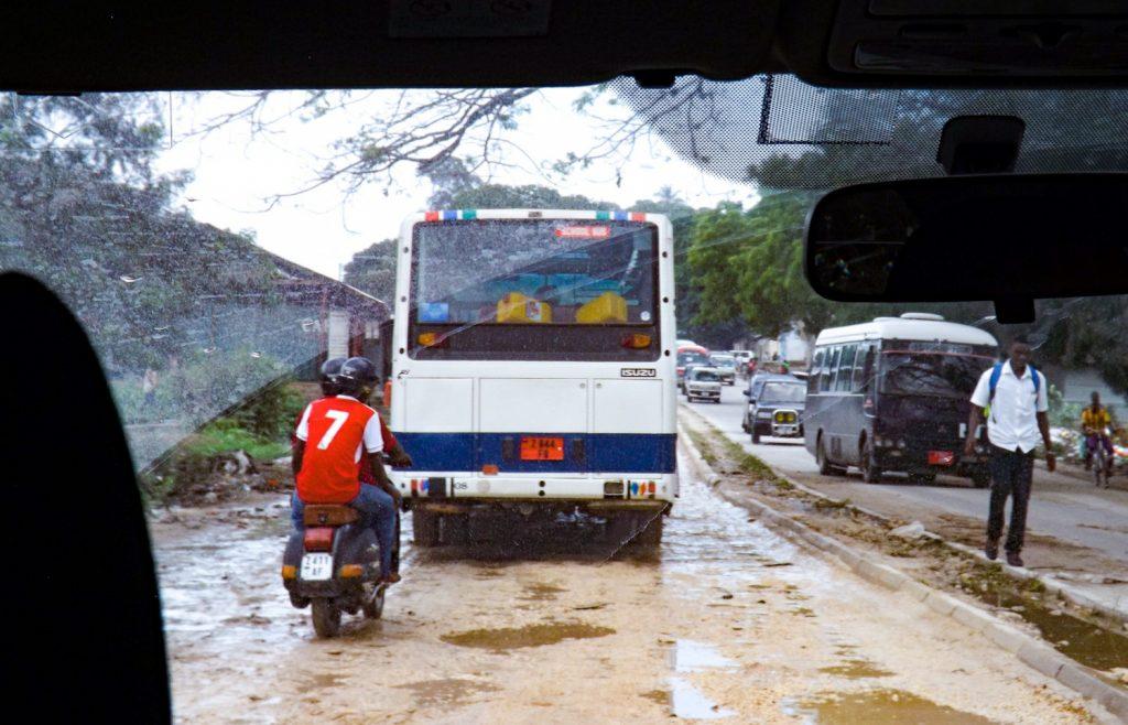 Het verkeer op Zanzibar is chaotisch