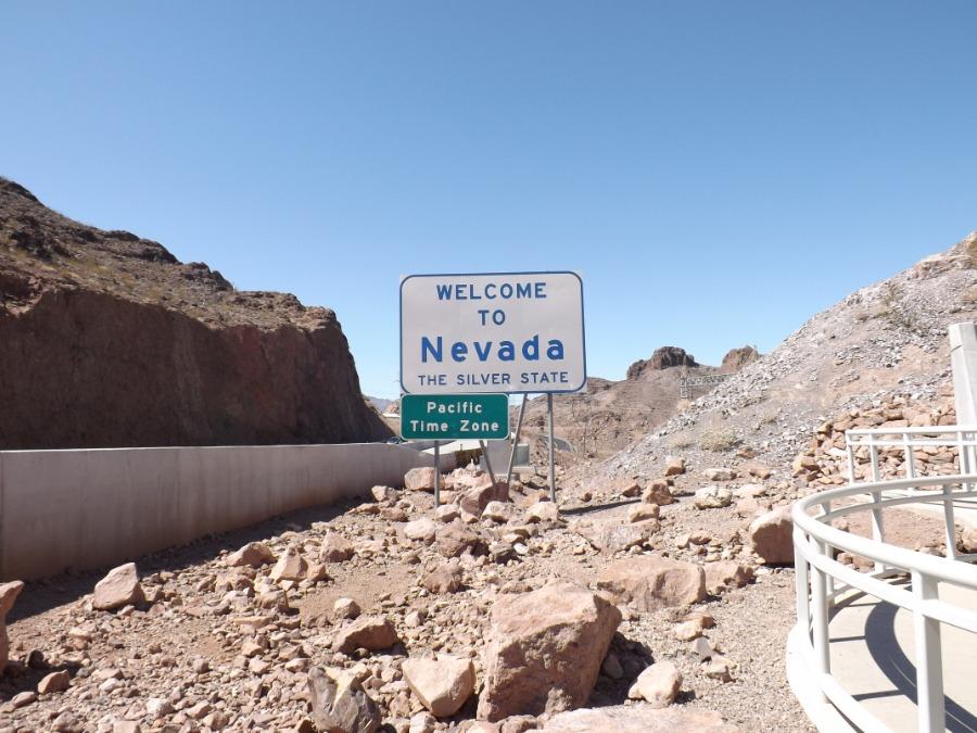 Een bord die aangeeft dat je de staat Nevada binnenkomt